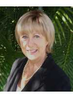 Real Estate Agent Jeanne Johnston