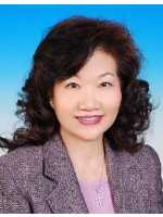 Real Estate Agent Gloria Kwang